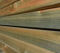 Poteaux carrés en bois de construction en bois impregné