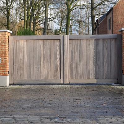 Portails et portes résidentiels en bois